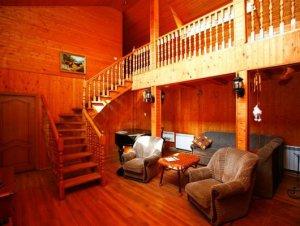 Сдам в аренду коттедж на сутки для 15 чел. рядом с озером и лесом.