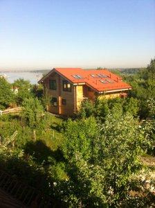 Сдается дом на  берегу  Пироговского водохранилища на месяц