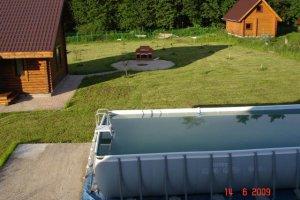 Сдается коттедж на выходные дни с бассейном  и русской  баней