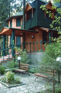 Сдам 2 красивых дома на берегу реки